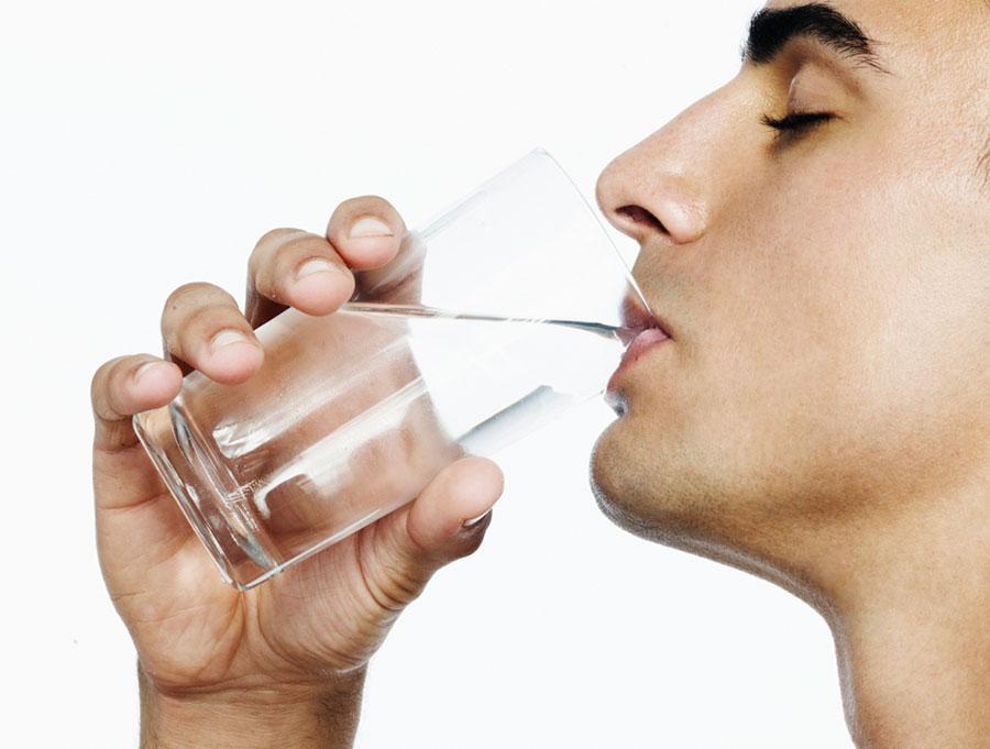 Kết quả hình ảnh cho man drinking water